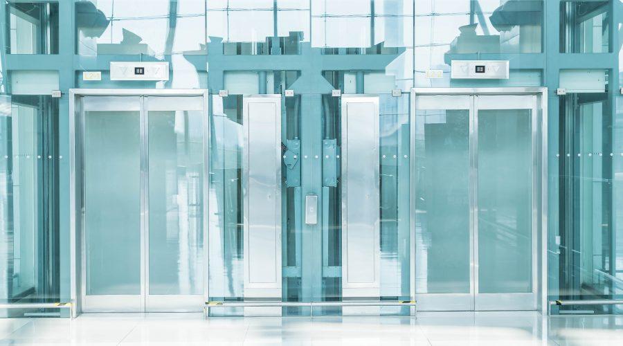 3 formas originales de sacar el máximo partido a tus momentos de ascensor